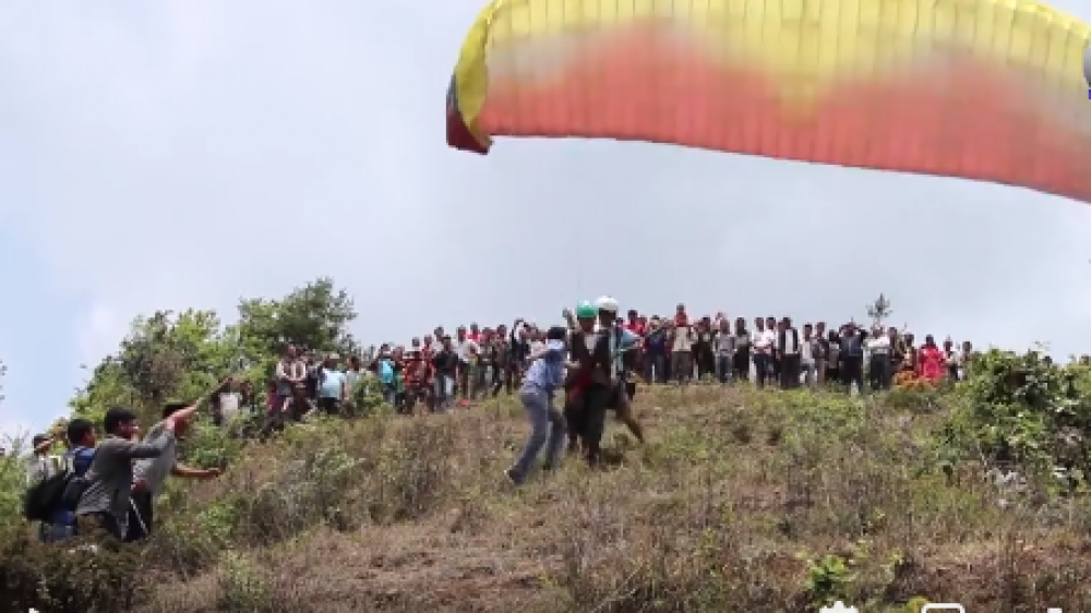 सुनापतिमा प्याराग्लाईडिङ परिक्षण उडान सफल
